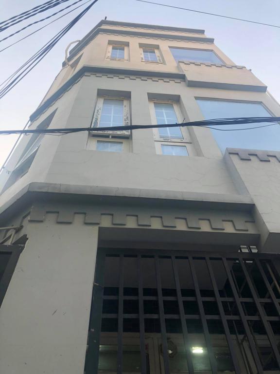 Nhà 4 tầng hiện đại kiên cố. Sát mặt tiền Lê Trọng Tấn. 4,5 tỷ