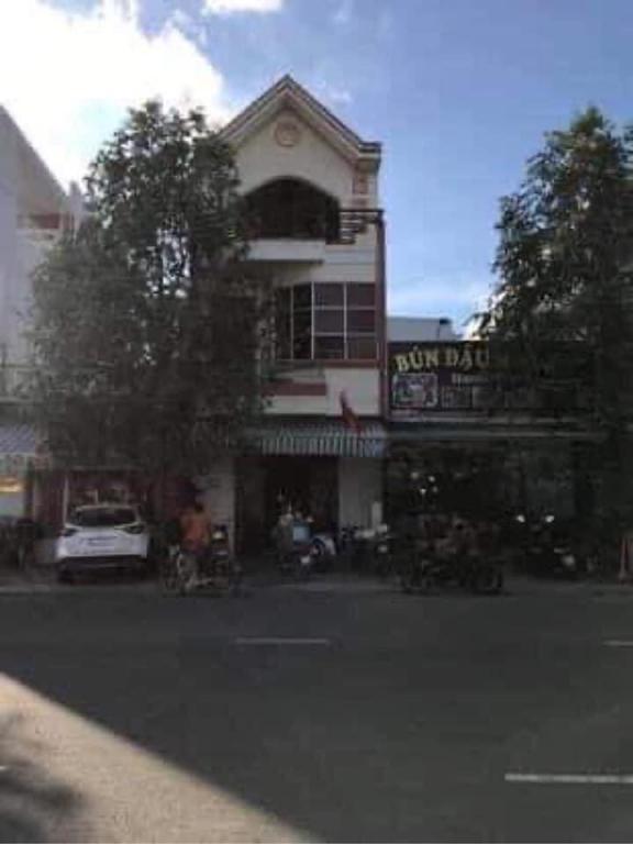 Cho thuê nhà mặt tiền 1T2L; ĐC: 273 đường Đồng Văn Cống, P. An Thới, Q. Bình Thuỷ, TP Cần Thơ.