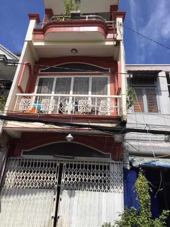 Nhà đường ô tô sát Phạm Văn Đồng, P.11, Bình Thạnh, chỉ 3,1 tỷ.