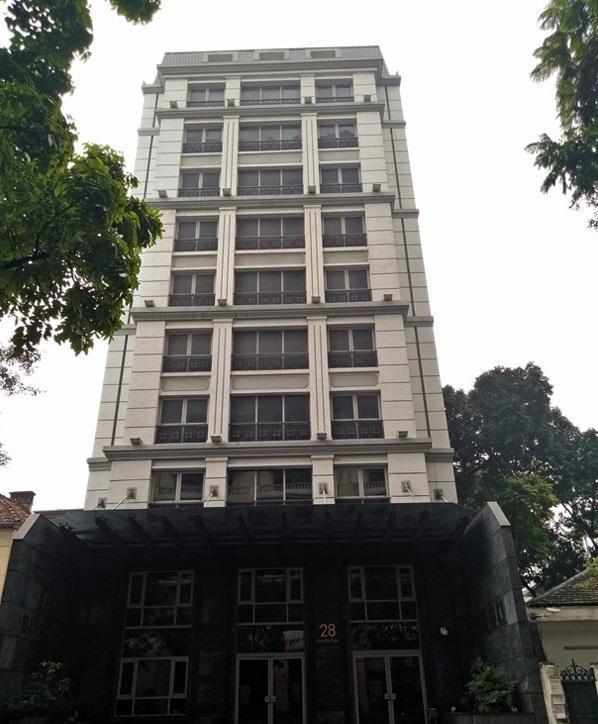 Bán gấp khách sạn 2 sao Dương Đình Nghệ 170m2 45 phòng cho thuê 9500$/tháng giá 46,6 tỷ