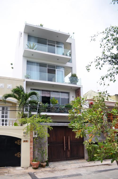 Bán Gấp Biệt Thự Có Thang Máy Hồ Bơi Nguyễn Duy Trinh  Quận 9   150m2 4tỷ TL