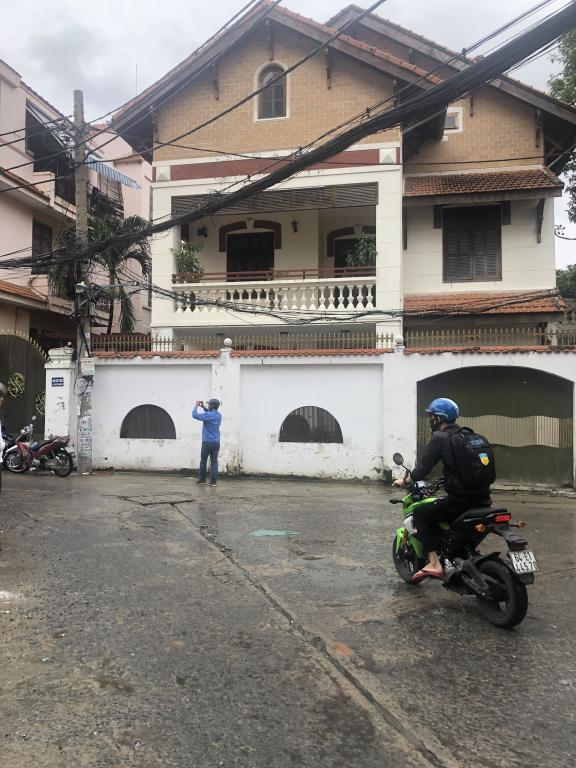 Cho Thuê Biệt Thự Ung Văn Khiêm 22x22 Trệt 2Lầu Giá 3.000USD/Th