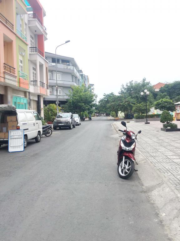 Cho thuê nhà 2 lầu mặt tiền NB đường Bông Sao Phường 5 Quận 8