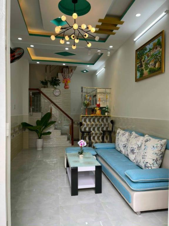 Nhà HXH kinh doanh, chỉ 4tỷ600, 3 Tầng, gấp bán, Bến Vân Đồn F4 Q4, 0386537786.