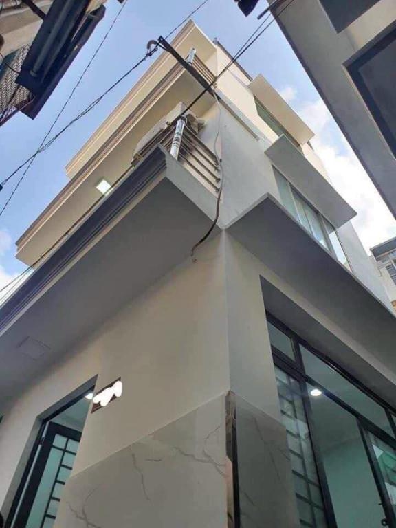 Nhà Đẹp Hẻm Sang Nguyễn Văn Cừ, Q1, Ngang 4 x 5m, 4 Tầng, Dt 20m2, Dtsd 80m2, Chỉ 2 Tỷ 740