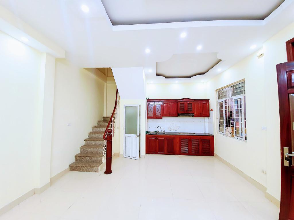 Bán nhà Thanh Liệt, Kim Giang 34m2 x 5T, mt 4.5m vuông đẹp, 10m ô tô tránh, giá 2.9 tỷ