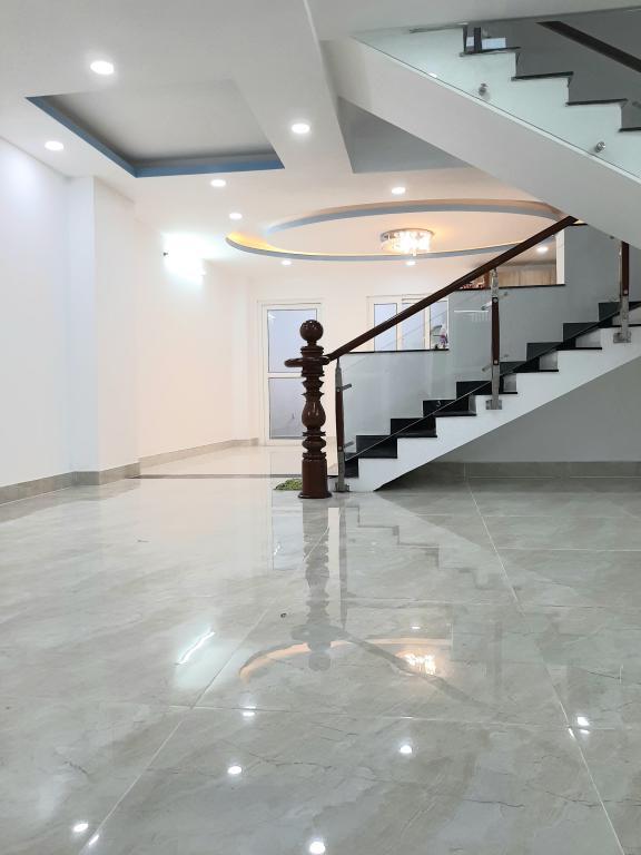 Nhà mới xây 5 tầng, đối diện UBND Quận, Lũy Bán Bích, Tân Phú. 8,5 tỷ