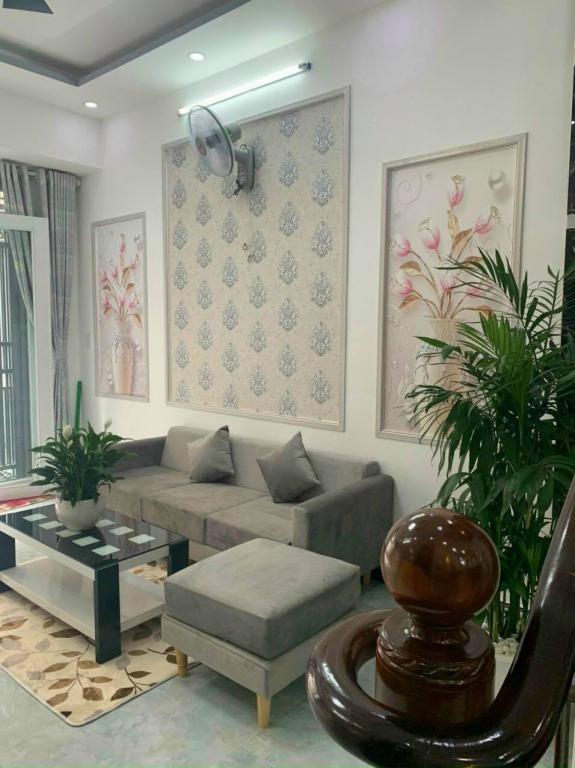 Nhà mới đẹp 3.6X12 BTCT Đoàn Văn Bơ F14 Q4 3.4tỷ 0386537786.