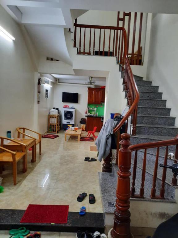 Bán nhà  Kim Giang oto 7 chỗ đỗ cửa gần phố , hàng hiếm tầm tiền 3 tỷ