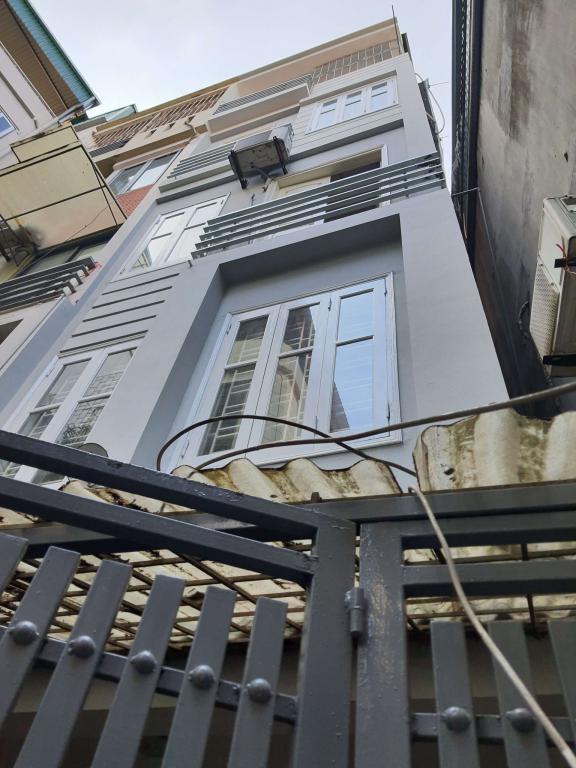 Bán nhà đẹp, ở ngay, hàng hiếm giá hời, phố Phan Kế Bính. DT 48, MT 4m . Giá 3.95 tỷ (có TL).