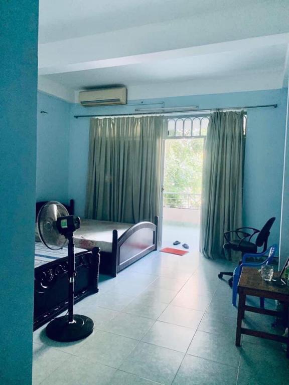 Gấp bán nhà Mặt tiền KD Nguyễn Hữu Cầu, Quận 1 _ (4 x 25)m2, giá 32 tỷ