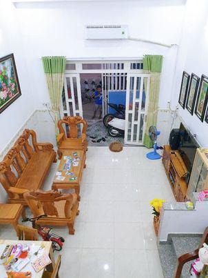 Bán nhà 2 tầng đường Nguyễn Hữu Tiến ,Tây Thạnh ,Tân Phú 70m2.CHỈ 4,5 TỶ.Chủ cần bán gấp