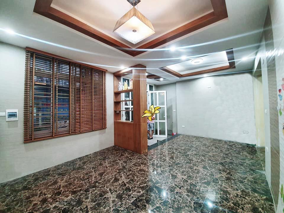Bán nhà đẹp Vương Thừa Vũ, TX, 2 ô tô tránh, 7m mặt tiền, Ở và KD, 7.1 tỷ