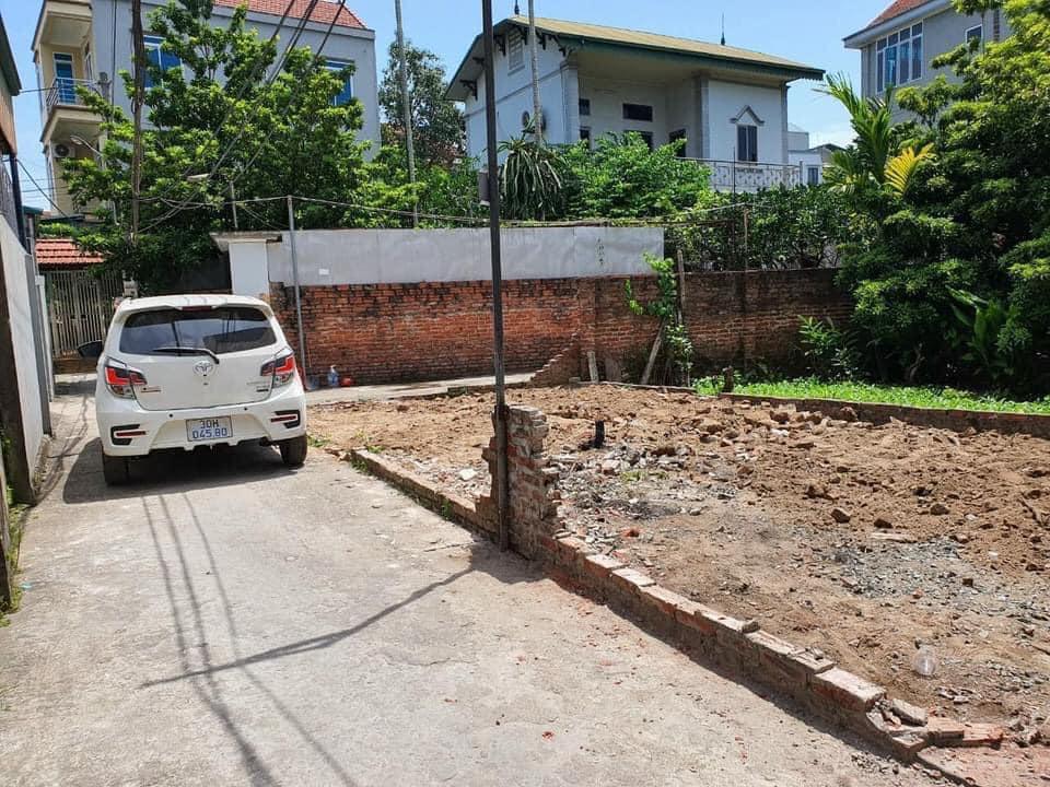 Chuyển nhà bán gấp đất ở  Vân Canh-Hoài Đức, sổ đỏ chính chủ, ô tô vào thoải mái , 2 mặt tiền, gần đường 422b.