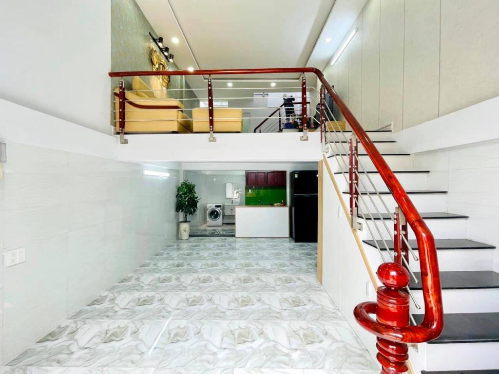 Bán nhà hẻm 184 Âu Dương Lân, Giá Rẻ, 5 tầng, Hẻm 5m.