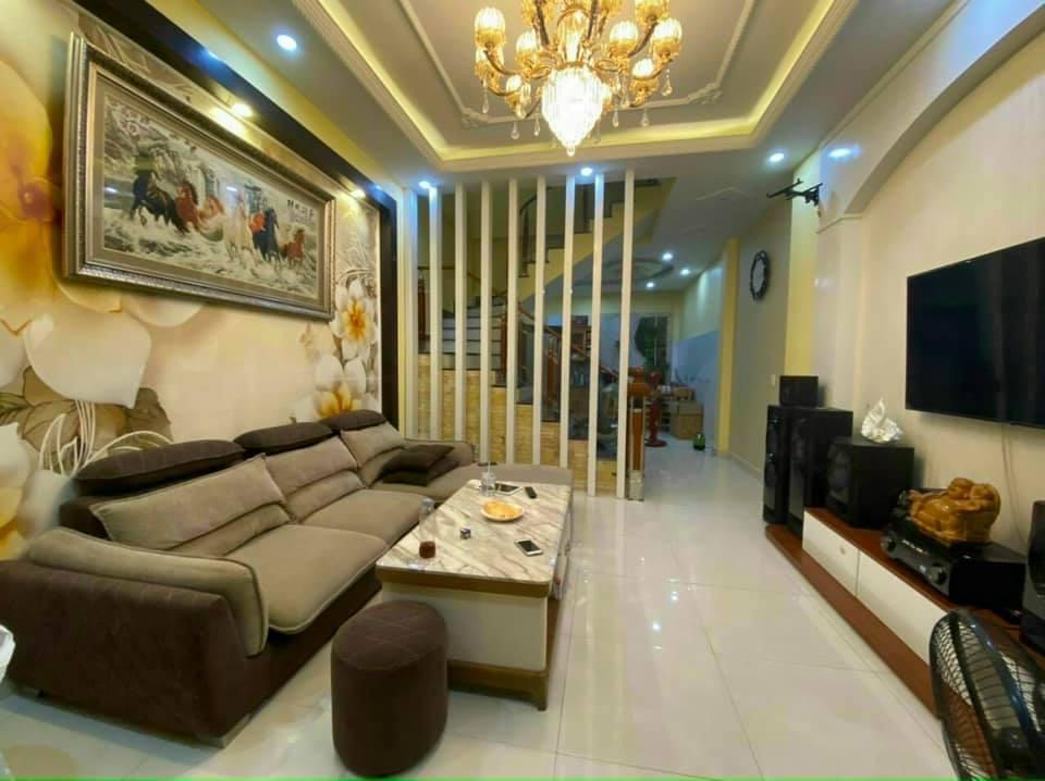 NHÀ QUỐC DÂN, bán nhà khu vườn hoa Trần Quang Diệu, Đống Đa, kinh doanh, 45x4t, 4 tỷ