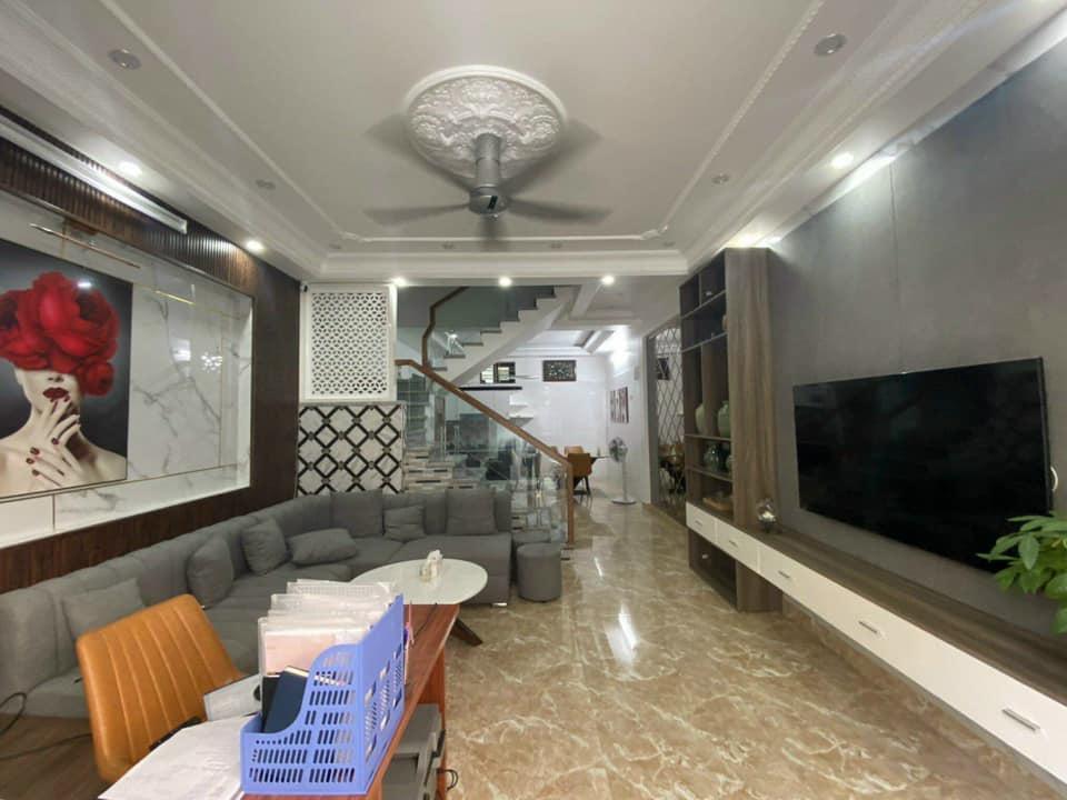 SANG TRỌNG, bán nhà phố Hồ Đắc Di Đống Đa, kinh doanh, 45m2x4t, 4 tỷ