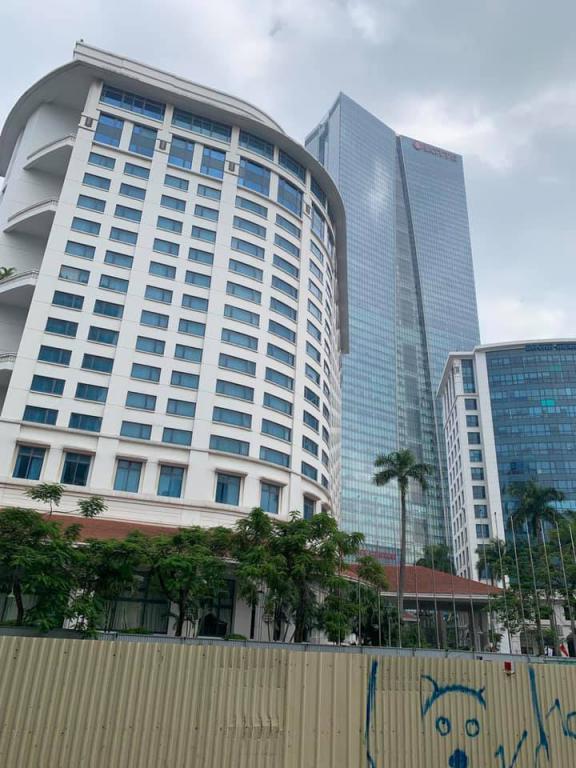 Bán đất VÀNG mặt phố Kim Mã Ba Đình DT gần 1000m2, MT 16m giá nhỉnh 290 tỷ.