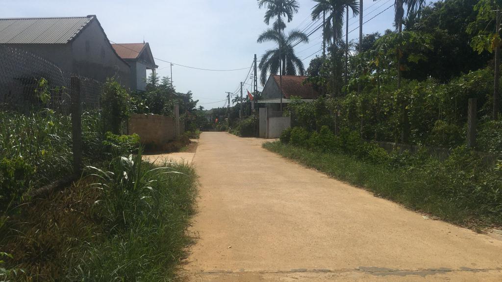 Chủ cần tiền bán gấp lô đất 750m2 tại Thôn 2, xã Ba Trại, Ba Vì, Hà Nội. LH Thu Hương: 0975349726