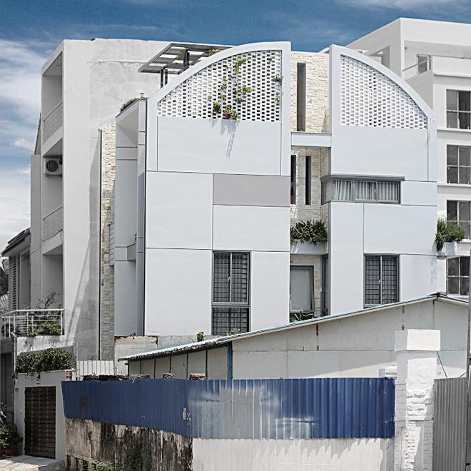 Cho thuê Nhà phố Mặt tiền Xa Lộ Hà Nội Q2, 400 m2 (20m x 20m), 40 Triệu đồng