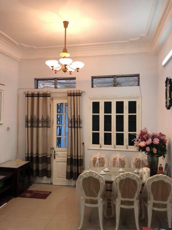 Bán nhà phố Kim Mã, Ba Đình, lô góc 3 mặt thoáng, DT 65m, MT 4m. Giá 5.5 tỷ (có TL). 0903.292.458.