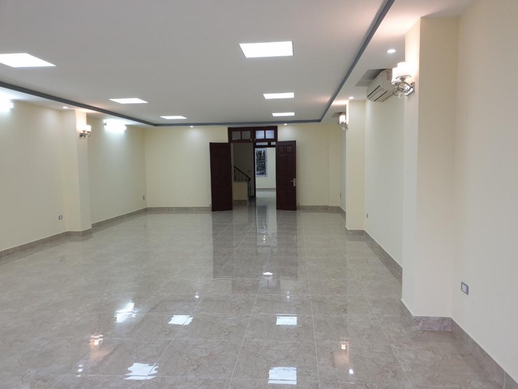 Cho thuê tòa văn phòng 8 tầng tại Nam Trung Yên-bigC. GIÁ 90Triêu/thg