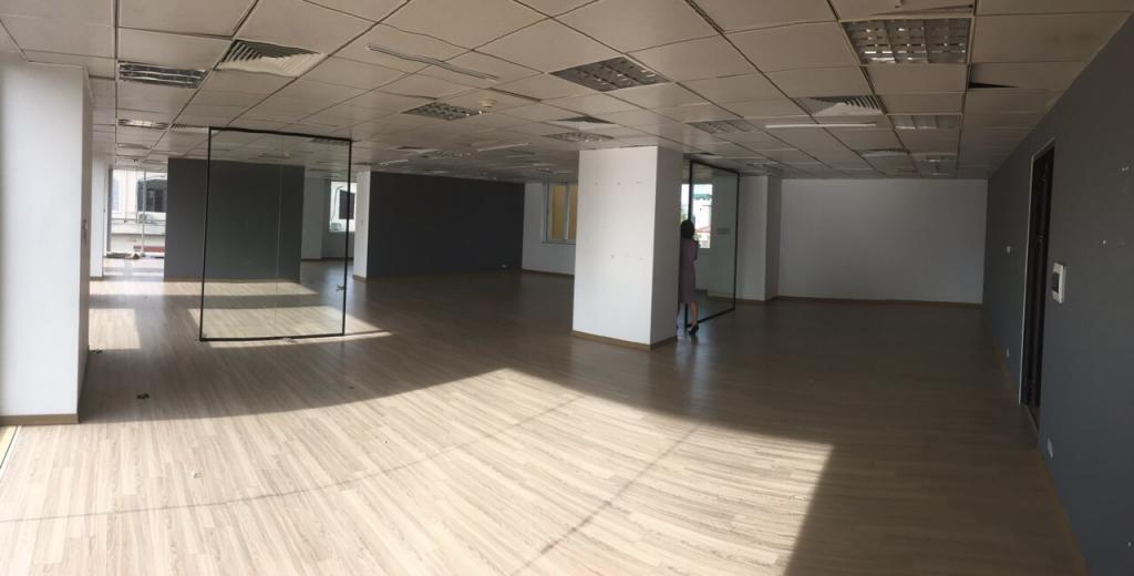 Cho thuê văn phòng 185m2 chỉ 65tr/tháng mặt phố Trần Quốc Toản, Hoàn Kiếm, Hà Nội