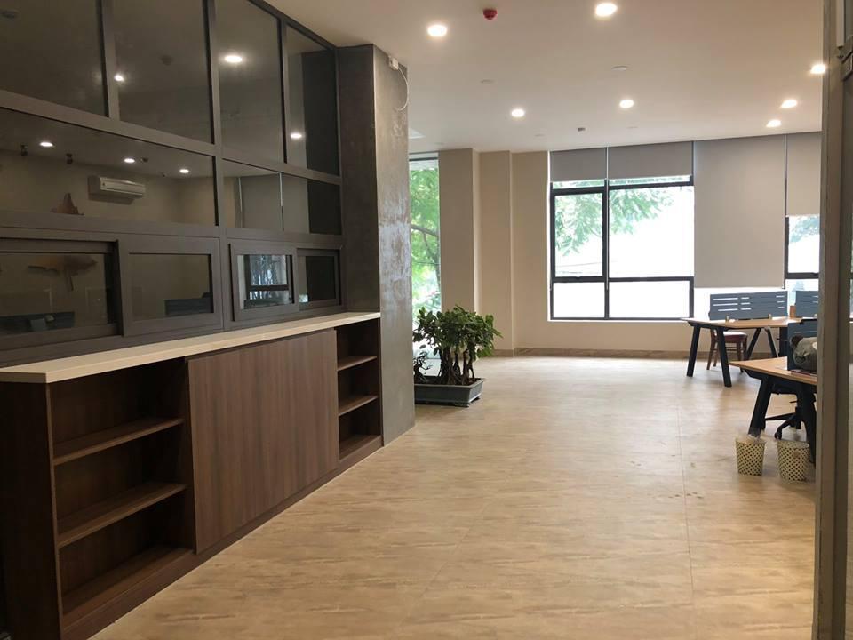 Cho thuê văn phòng 50m2 view hồ Hoàng Cầu quận Đống Đa giá rẻ .LH.0866683628