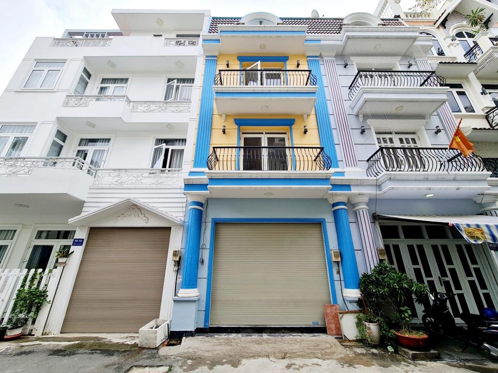 - Nhà bán khu Hoàng Quốc Việt, Q.7, 5mx12m, 2 lầu, ST, Giá 7,3 tỷ LH:0911779116