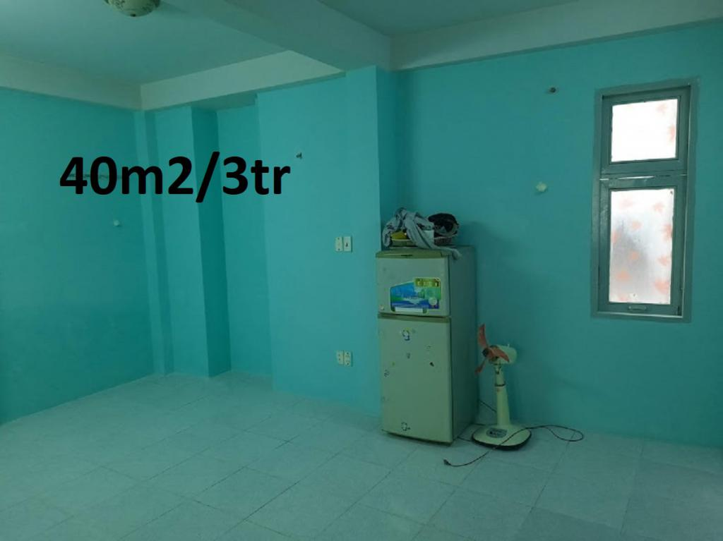 CHO NAM THUÊ PHÒNG 40m2 .(hiện nay tôi còn 1 phòng trọ tại q4 ,)giá thuê 3tr 1 tháng.