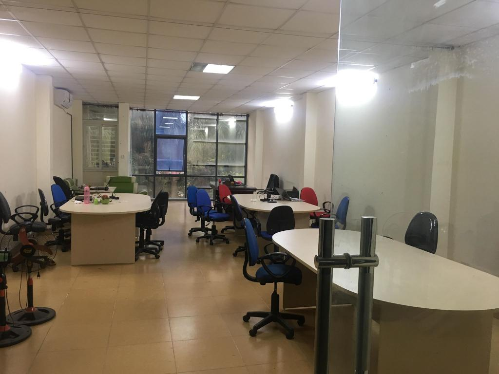 Cho thuê văn phòng 100m2 ngõ 196 Hồ Tùng Mậu 9tr/tháng