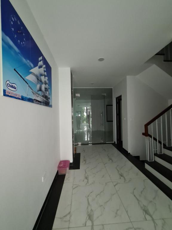 Cho thuê toà nhà khu Ngoại Giao Đoàn: DTSD 600m2, 7T, giá 48tr - view công viên.