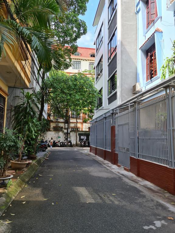 Cho thuê nhà Phạm Tuấn Tài: DTSD 60m2, R6m, 5T, giá 15tr (MTG) - SĐT: 0852639807.