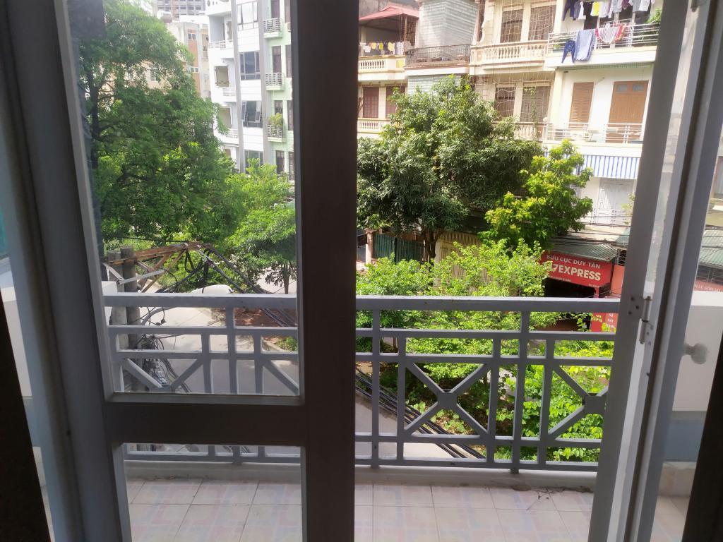 Cho thuê nhà riêng Đặng Thùy Trâm, Cầu Giấy: 65m2, R6m, giá 22tr (MTG) - 0852639807.