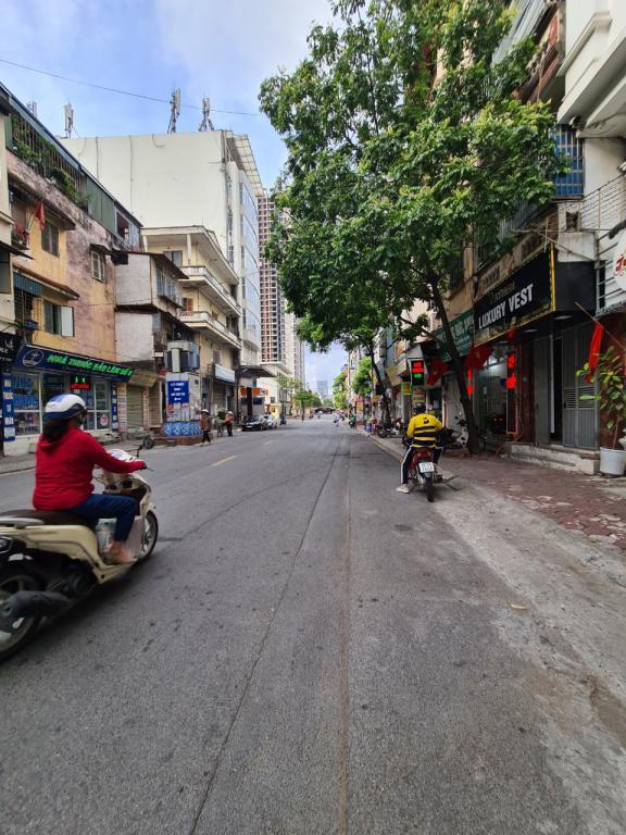 Cho thuê nhà riêng Phan Văn Trường, Cầu Giấy: DT 45m2, R 4.6m, 5T, giá 20tr (MTG).
