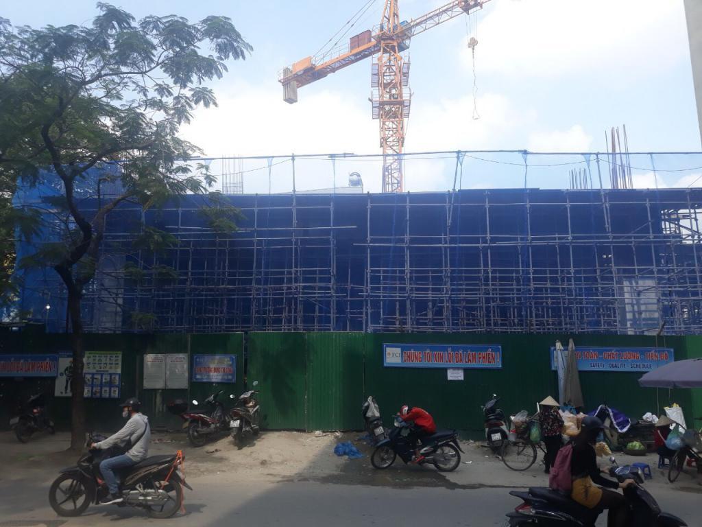 Cho thuê sàn thương mại tầng một chung cư mặt phố Chùa Láng, Đống Đa diện tích 500m2