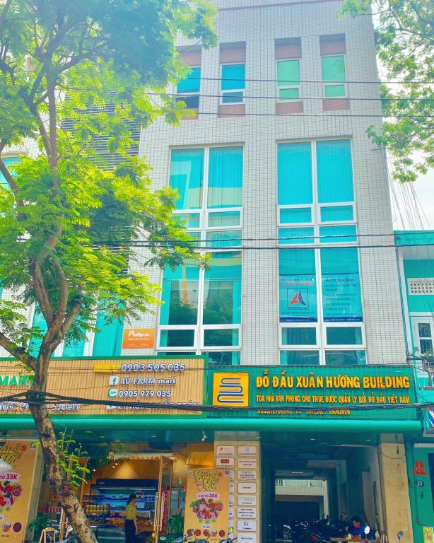Văn phòng sang trọng hiện đại, giá cực rẻ tại tầng 1 tòa nhà, lh.0903533628/0769566147(Vi)