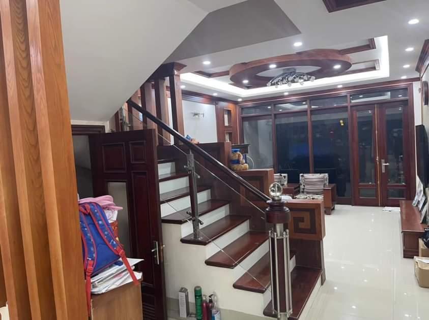 Bán nhà liền kề Văn Phú, 5 kinh doanh, mặt tiền 4,5m vỉa hè ô tô tránh.