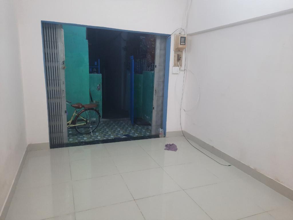 Cho Thuê Nhà mới nguyên căn riêng biệt đường Nguyễn Khoái, Giá 7tr5 -2 phòng nhỏ có, sân. gác lửng thích hợp gia đình