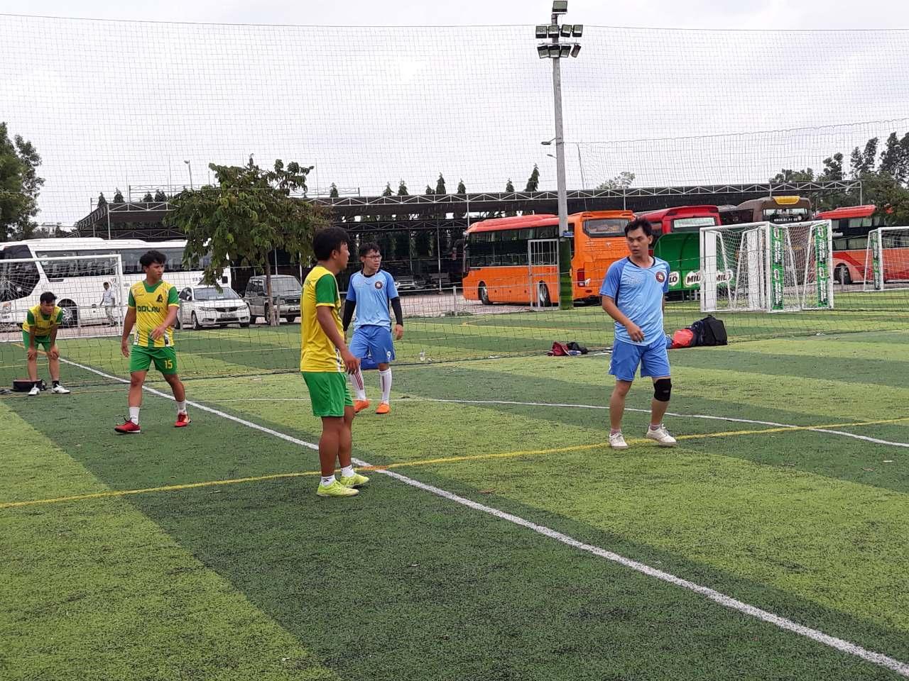 football-1578119677.jpg