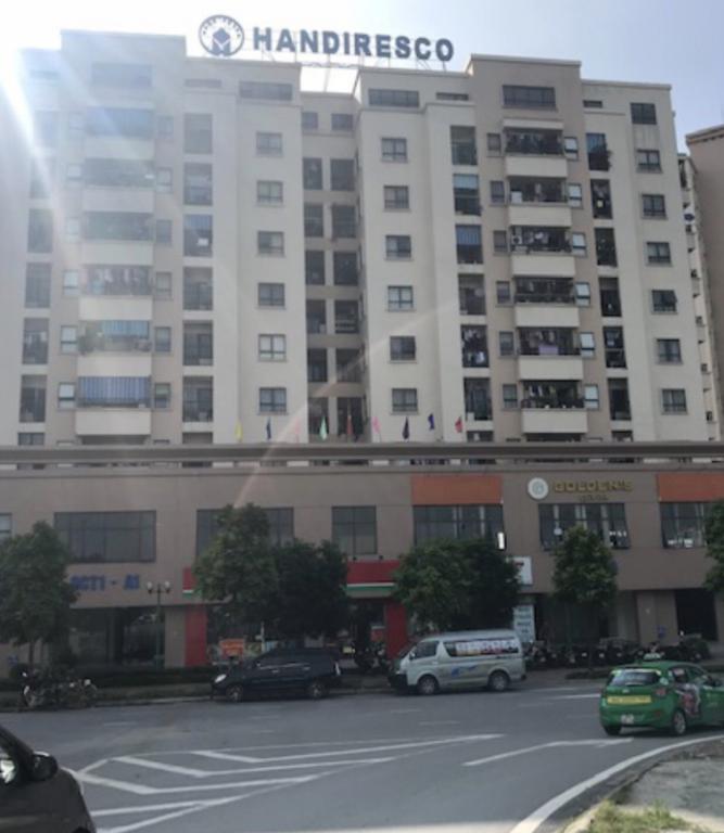 Cho thuê 1000m2 văn phòng tòa nhà Handiresco Cổ Nhuế giá siêu rẻ LH 0943898681