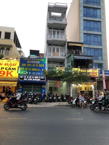 Bán nhà chính chủ Mặt Tiền Thành Thái, Q.10 gần siêu thị Big C, 4lầu, 77m2 giá 21tỷ