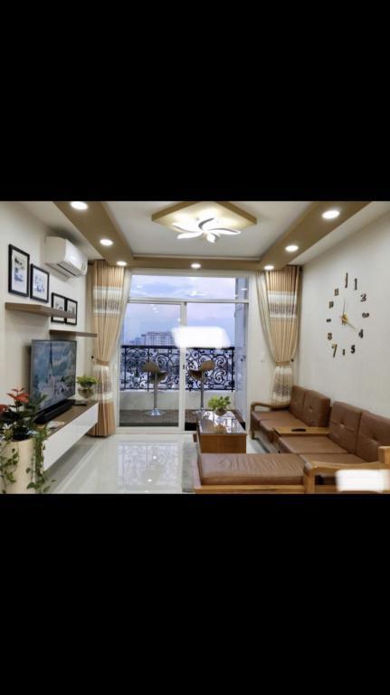 Cho thuê căn hộ có nội thất tại Grand Riverside đường Bến Vân Đồn Quận 4, 80m2 2PN 2Wc