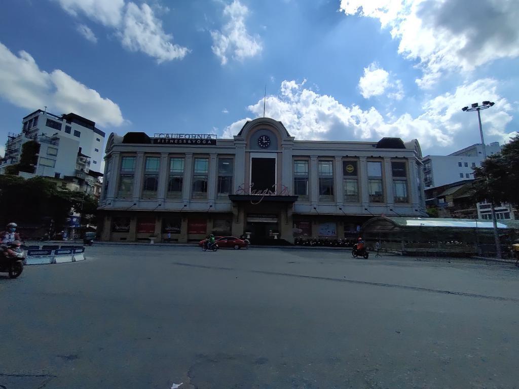 BQL Cho thuê Mặt Bằng, Văn Phòng DT 1100m2 taị Tòa nhà Chợ Hàng Da, Hoàn Kiêm, HN. LH 0968530776