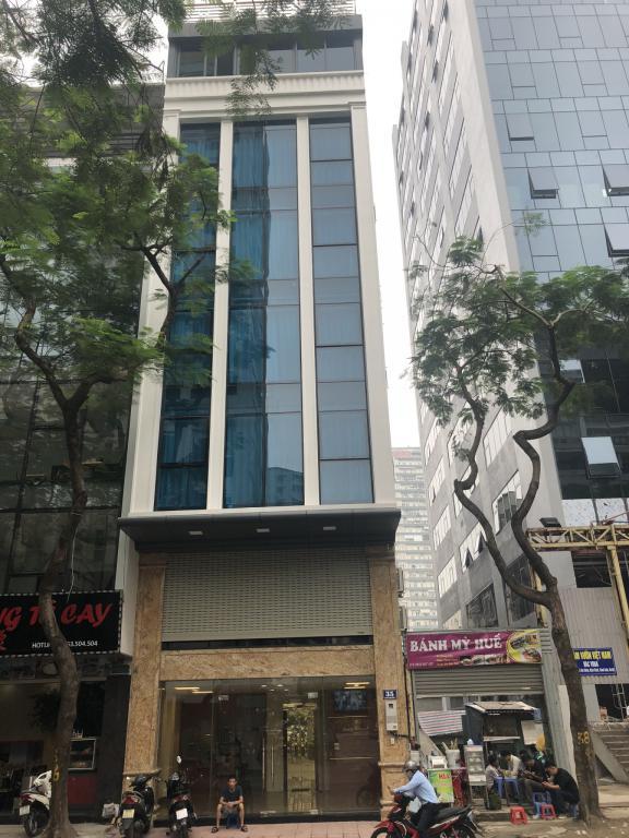 Cho thuê nhà mặt phố Lê Văn Lương, Thanh Xuân. DT 80m2 x 7 tầng, mặt tiền 6,5m, thông sàn có thang máy.