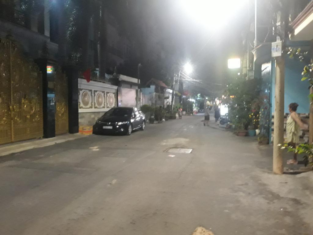 Cho thuê nhà 2 lầu HXH 7m ds 8 phường 9 gò vấp gần CV làng hoa