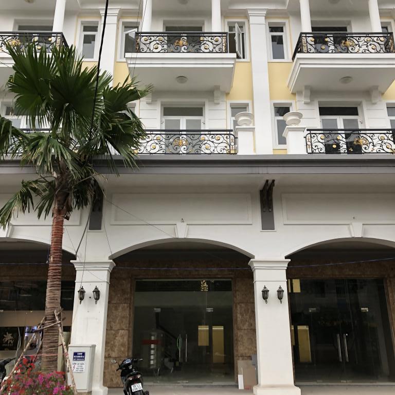 Cho thuê nhà phố Tạ Quang Bửu, P6, Q8