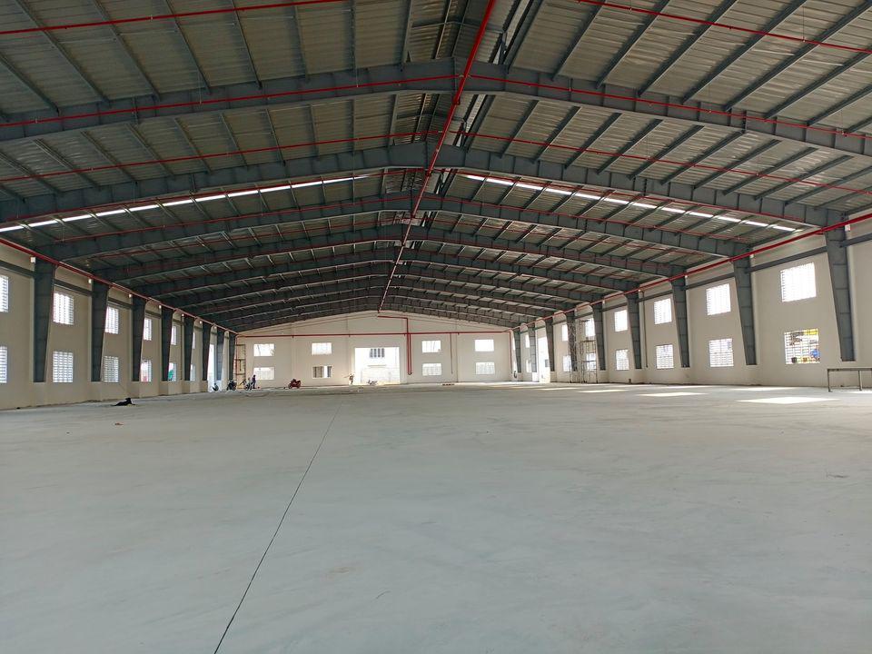 Cho thuê 3 nhà xưởng 1800 m2, 2400 m2, 3700 m2 Bến Lức, Long An