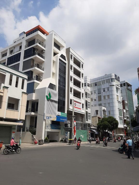 Bán tòa building trung tâm phú Nhuận hầm 8 lầu, 1400m2 sử dụng, giá chỉ 76 tỷ.