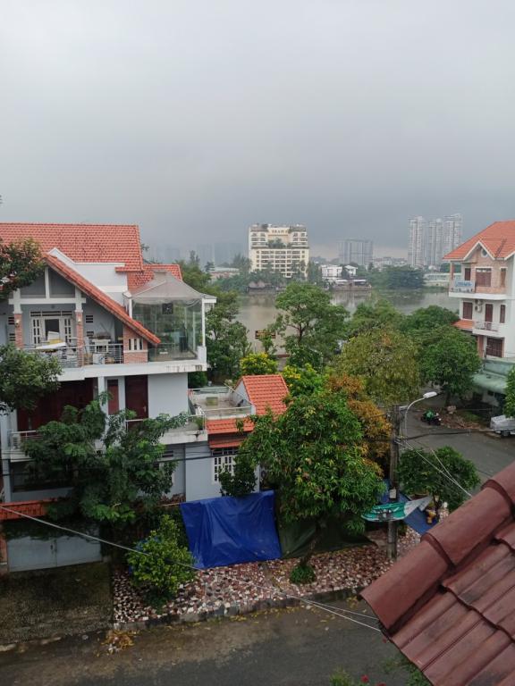 [HOT][Biệt Thự Ven Sông Sài Gòn] BT 3 lầu ngang 8m (6PN, ST,GARA) Giá 17 tỷ TL